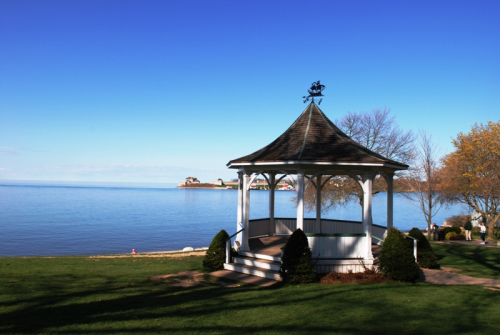 Queens Royal Park & Gazebo,photo by Mike Keenan